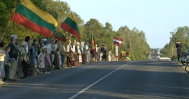 Senekos diena Baltijos kelias